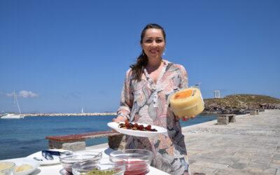 Η Κατερίνα Λένη φτιάχνει επιδόρπιο με Γραβιέρα Νάξου Π.Ο.Π.!